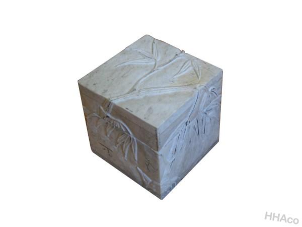 Hộp đá trắng vuông cành trúc